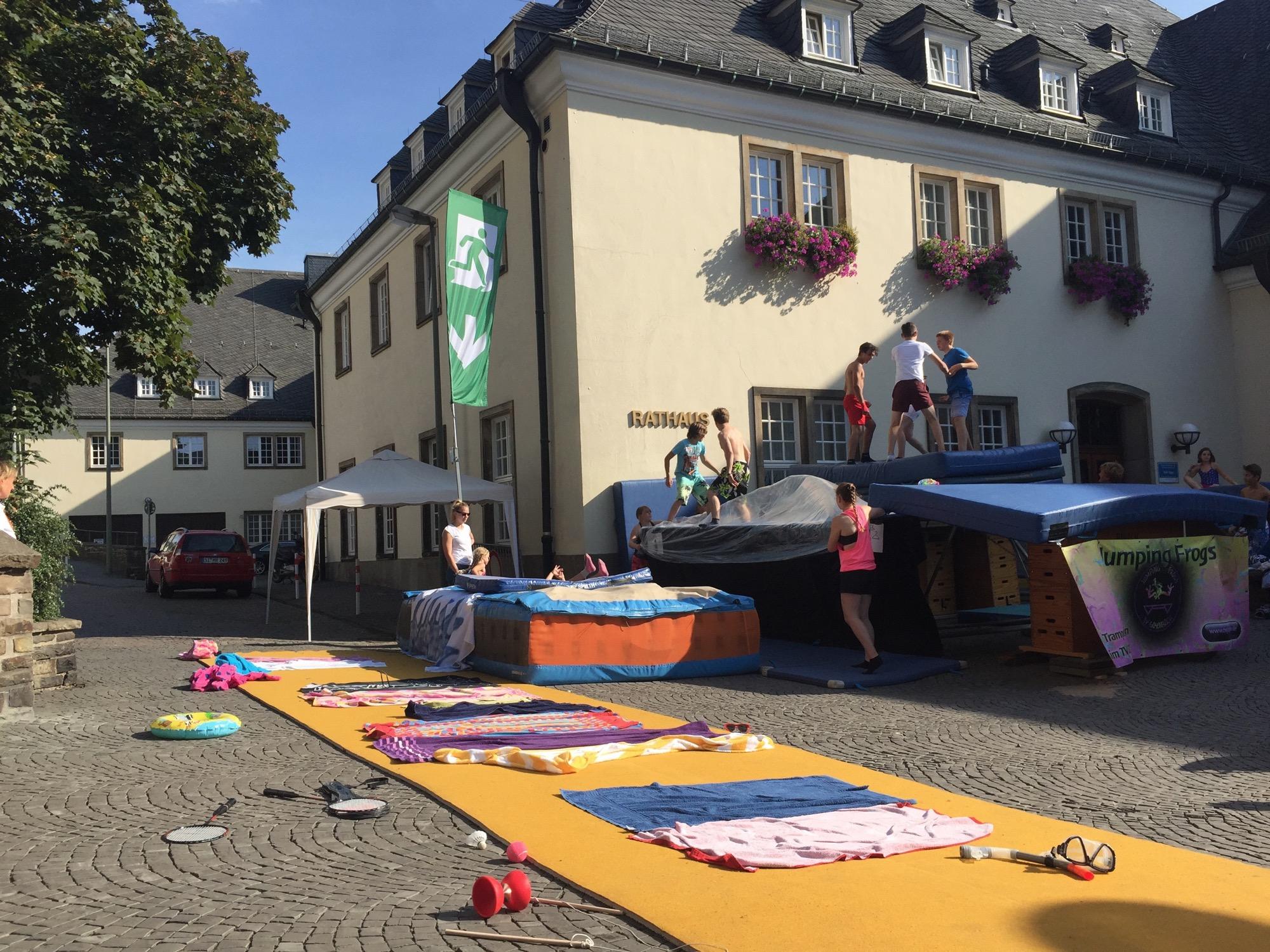 Remarkable Ein Tag Im Strandbad Siegen Zu Neuen Ufern 03 09 2016 Download Free Architecture Designs Scobabritishbridgeorg
